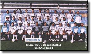 L'effectif de la saison 1998-1999 aurait mérité un meilleur sort.