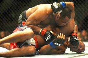 UFC 173 Daniel Cormier vs Dan Henderson
