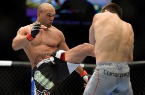 UFC 173: Lawler v Ellenberger