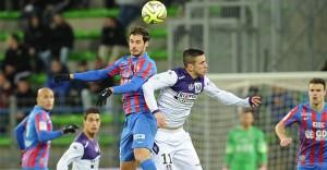 TFC Caen-TFC 07-02-2015 Pesic saute à la tête