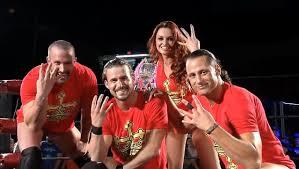 Quitte à y aller dans le nawak, un groupe ROH n'aurait pas dépareillé.