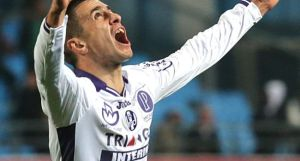 Aleksander Pesic ouvre enfin son compteur buts cette saison.