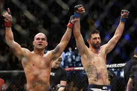 UFC 195 Lawler-Condit bras levés