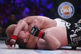 La défaite d'Alexander Shlemenko, alors champion poids moyens, dans un catchweight face à Tito Ortiz en 2014, sonnait le début de la fin.