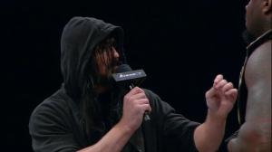 Vous auriez quand même pu me laisser devenir le premier catcheur de l'histoire à faire le doublé TNA Heavyweight/Impact Grand Championship ? Parce que bon cette année...